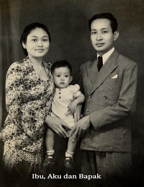 foto masa kecil Mbak Tutut bersama Ibu Tien dan Pak harto